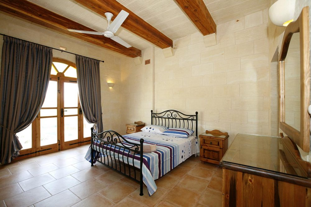 lellux, bed, breakfast, gozo